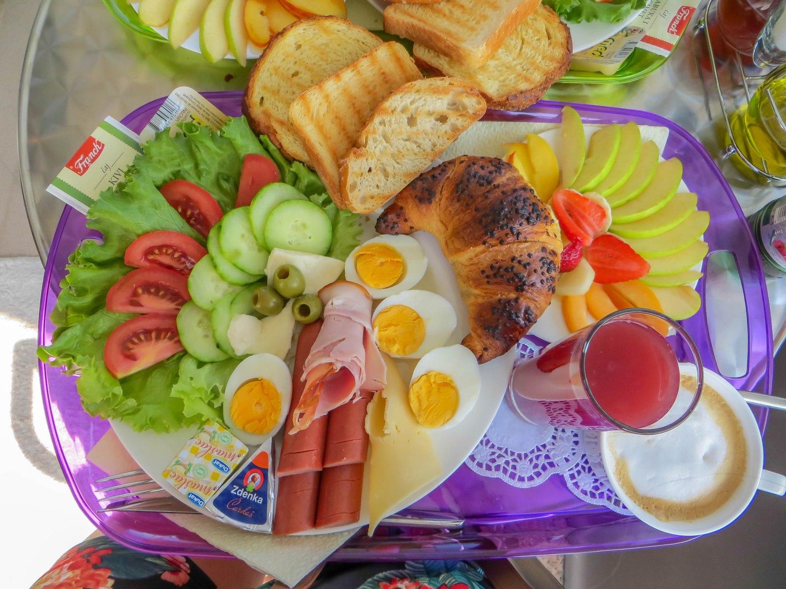 8. Breakfast